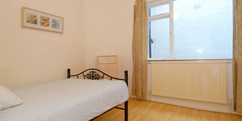 bedroom lo