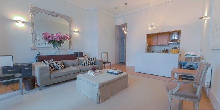 Living room 3-3